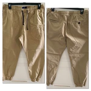 American Eagle mens tan  joggers pants khakis XL.
